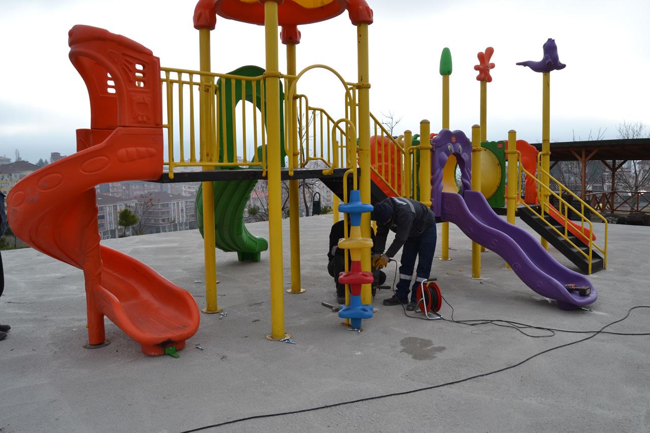 Parklar Yenileniyor