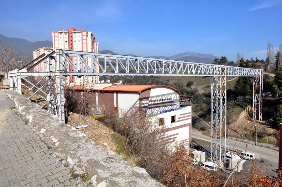 Kartaltepe - Şirinevler Arası Yaya Köprüsü