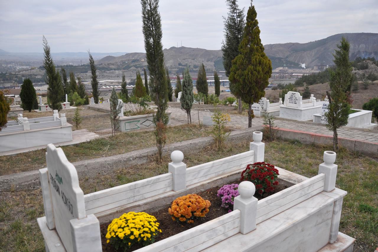 Karabük Mahallesi Mezarlığı