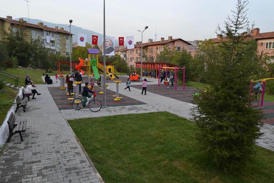 5000 Evler 75. Yıl Mahallesi 10 No.lu Çocuk Parkı