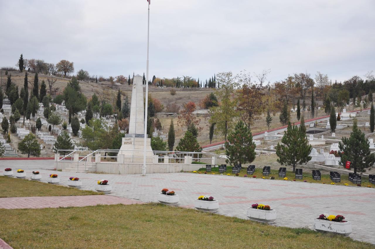 Şehitlik Anıtı