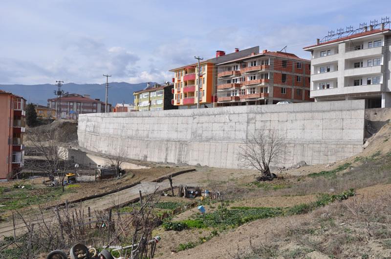 100. Yıl Mahallesi İstinat Duvarı Çalışmaları