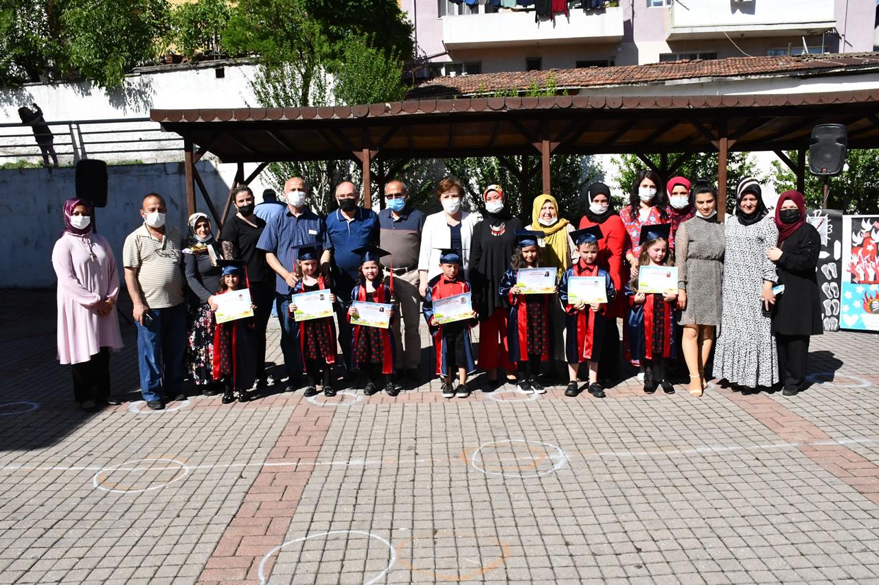 Atatürk Mahallesi SYM Kreş Öğrencilerine Sertifikaları Verildi