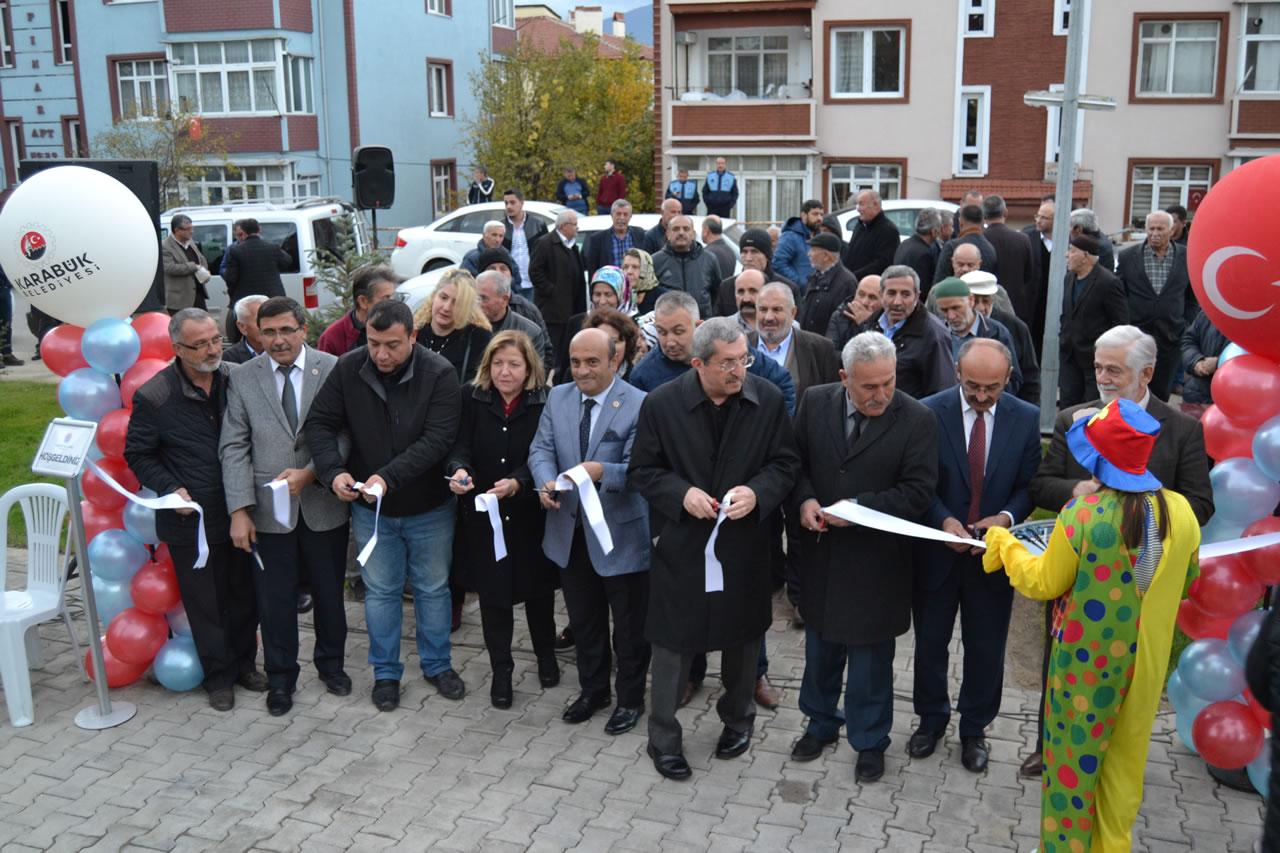 5000 Evler Mahallesi Merkez Camii Yanı Parkı Hizmete Açıldı