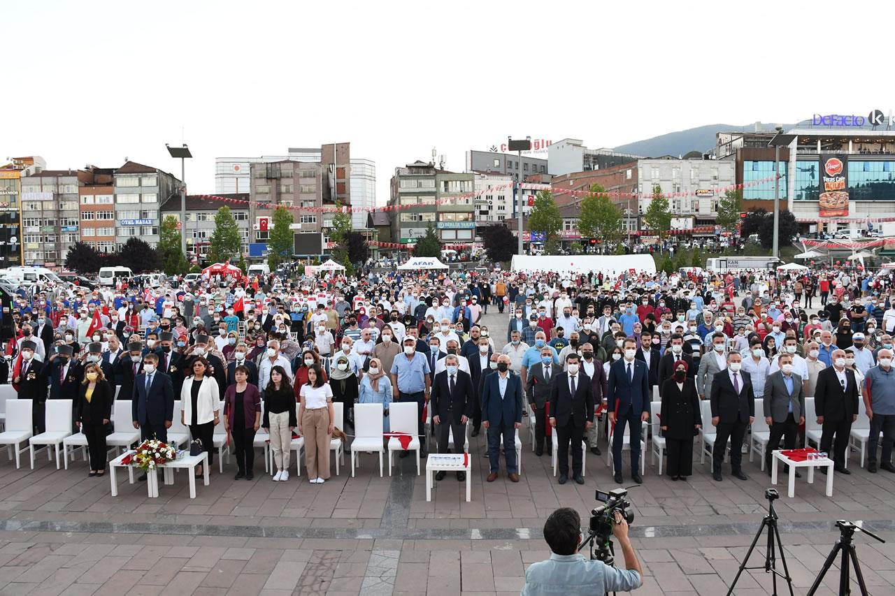 15 Temmuz Demokrasi ve Milli Birlik Günü Cumhuriyet Kentimiz Karabük'te Büyük Bir Coşkuyla Kutlandı