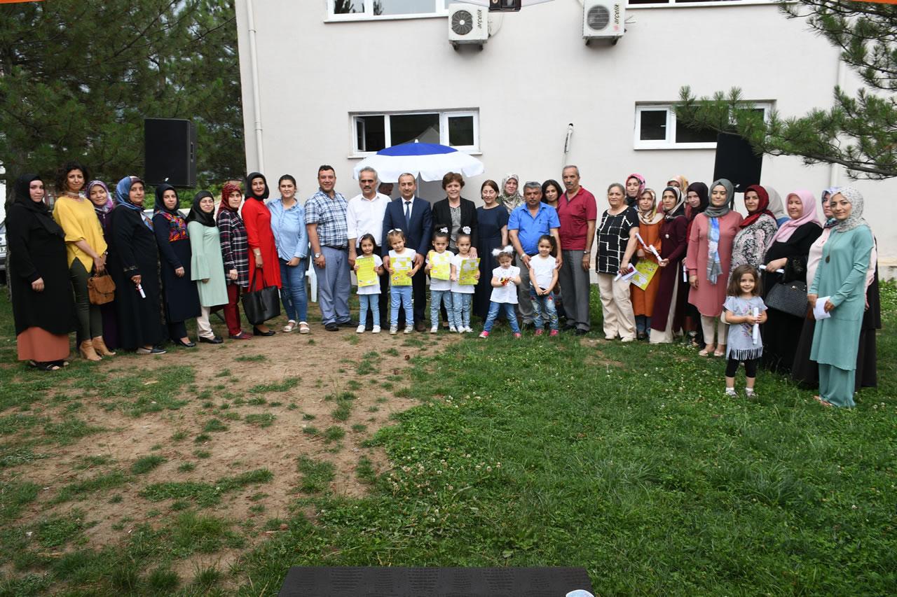 100. Yıl Mahallesi SYM Kursiyerlerine Sertifikaları Verildi