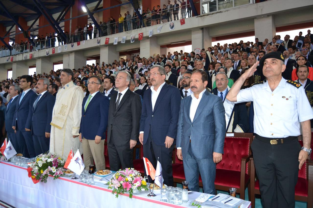 Başkan Vergili KBÜ Mezuniyet Törenine Katıldı