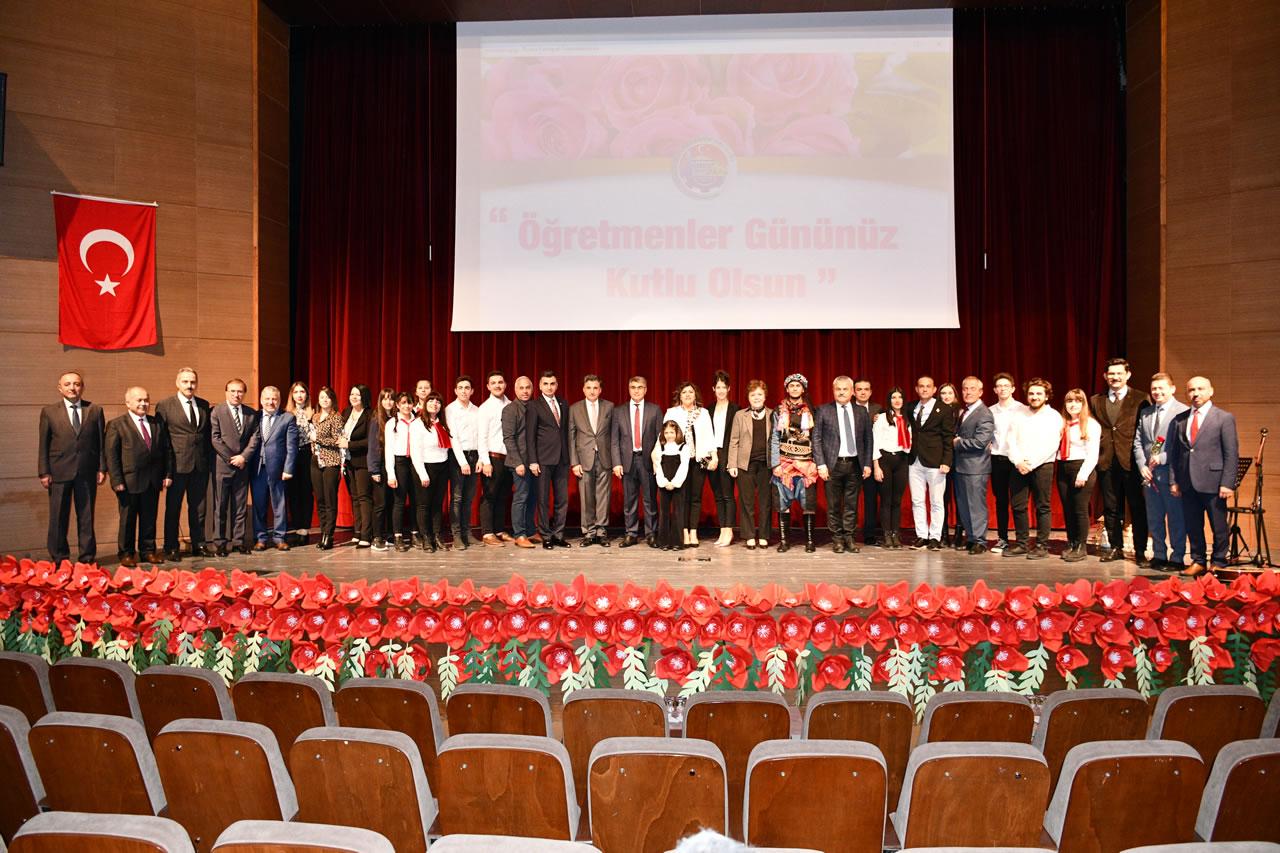 24 Kasım Öğretmenler Günü Kutlama Etkinlikleri 100. Yıl Kültür Merkezinde Devam Etti
