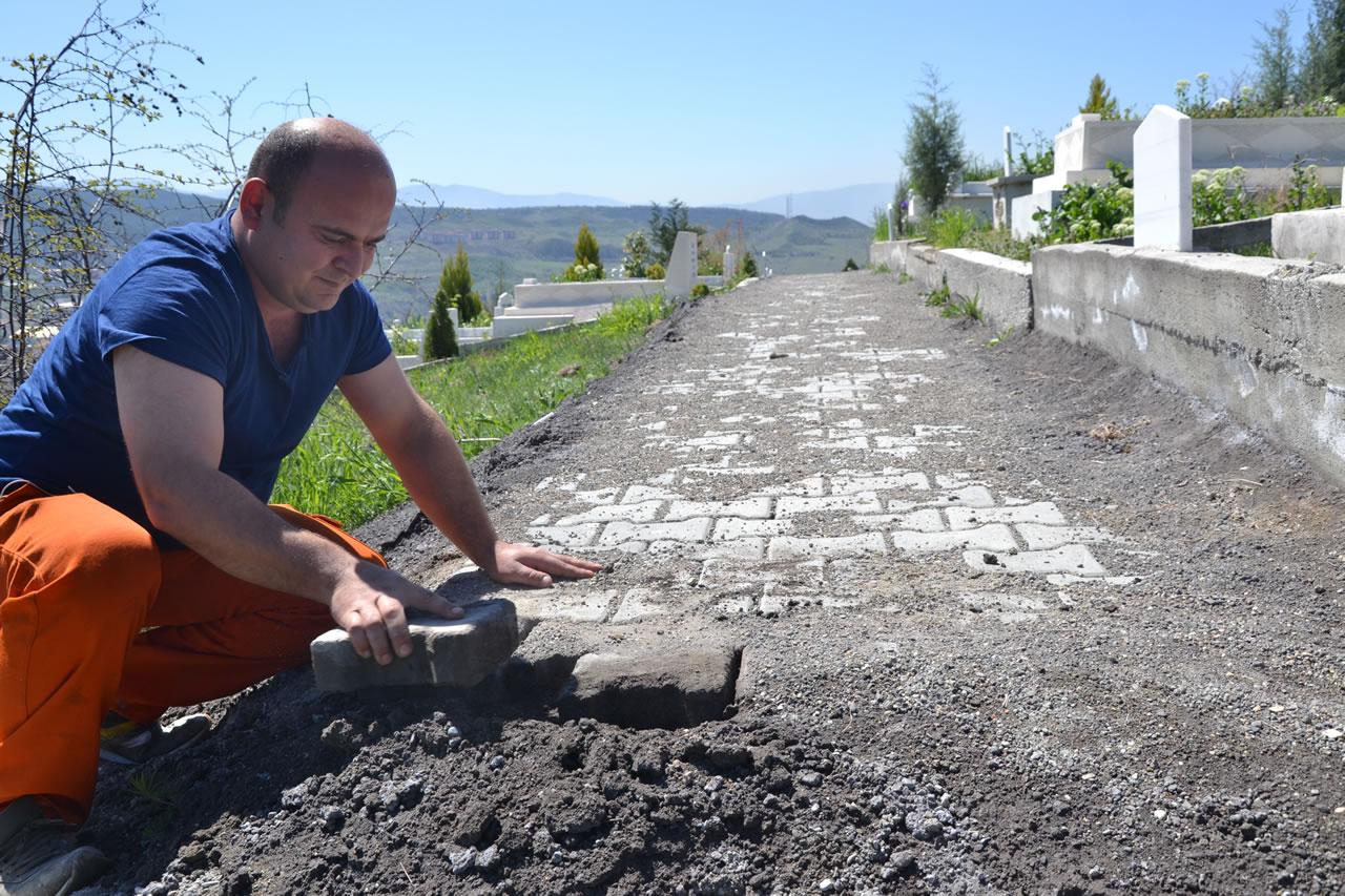 5000 Evler Aile Mezarlığı'na Yaya Yolu Çalışması